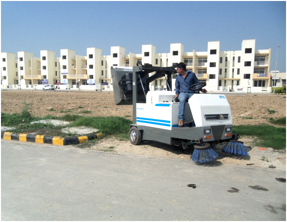 Ride on Type Sweeper - Road Sweeping machine- truck mounted